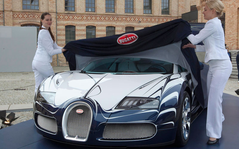 bugatti veyron price in nepal goboogo travel photography the bugatti veyron in dubai the world. Black Bedroom Furniture Sets. Home Design Ideas