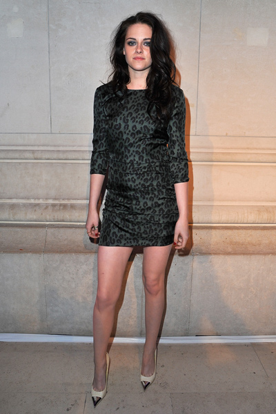 Kristen stewart at paris fashion week