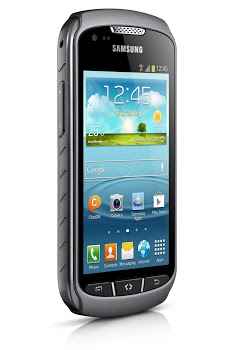 Samsung steals BlackBerry 10's thunder with water-proof Galaxy