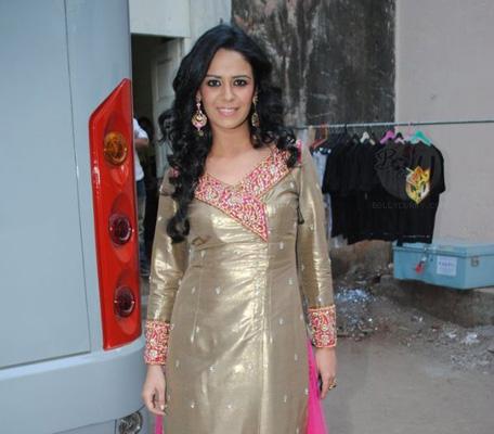 Mona Singh vs Mallika Sherawat: Bollywood's MMS scandals - Emirates24|7