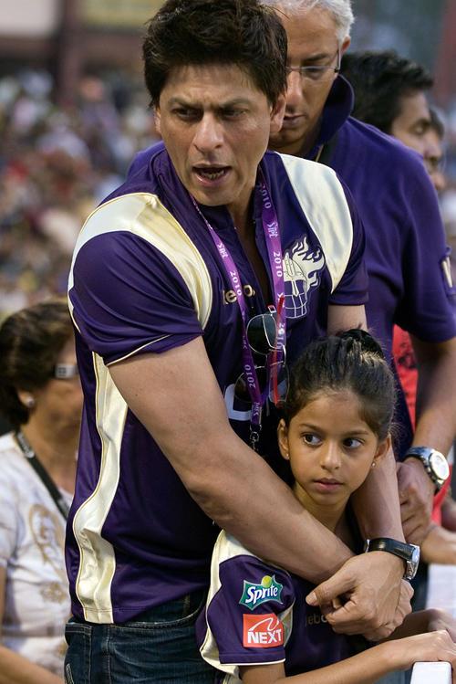 Shah Rukh, Gauri's united front, Priyanka can go take a ...