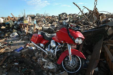 frightening devastation of oklahoma tornado - emirates 24|7
