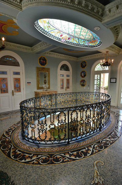 Versace Mansion Can Be Yours For 163 16m Emirates24 7