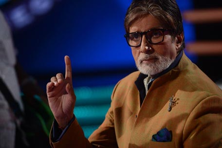 Live' from sets of KBC 7: Big B in action - Emirates24 7