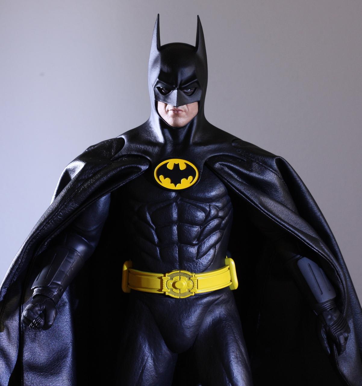 Http Www Emirates247 Com Entertainment Best Batman Bale Vs Affleck Or Val Kilmer 2013 08 26 1 518784