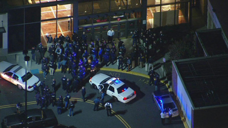 New Jersey Mall Firing Police Searching For Gunman Emirates 24 7