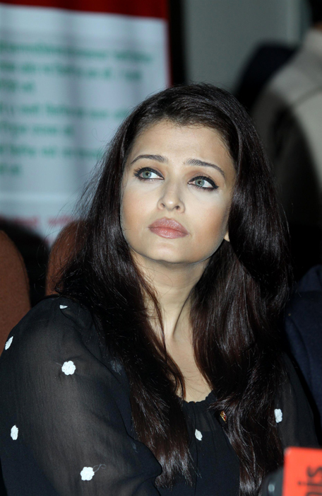 Cannes Film Festival 2014: Bollywood Stars At The Festival ... |Aishwarya Rai 2014 March