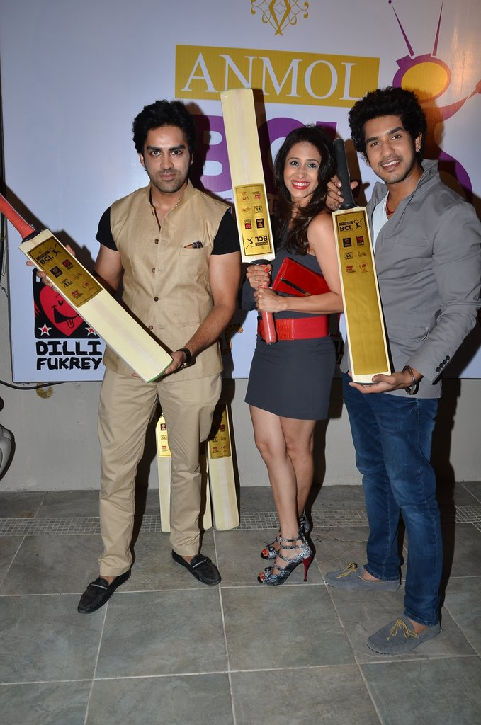 Spot Tv Stars At Box Cricket League Launch Emirates24 7