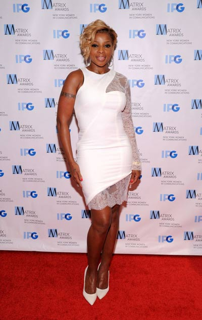 Sister-hood @ Matrix Awards: Mary J Blige and Queen Latifah