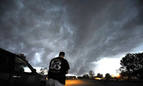 Tornadoes Hit Us Death And Destruction Emirates24 7