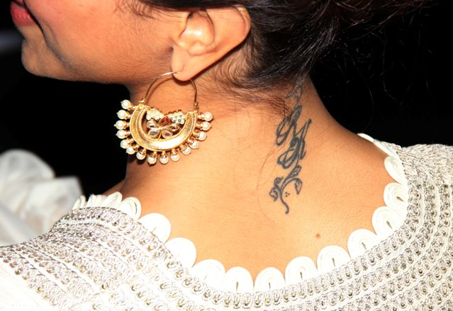 Up close with Deepika's Ranbir tattoo; Sussanne erases ... Deepika Padukone And Ranbir Kapoor Break Up