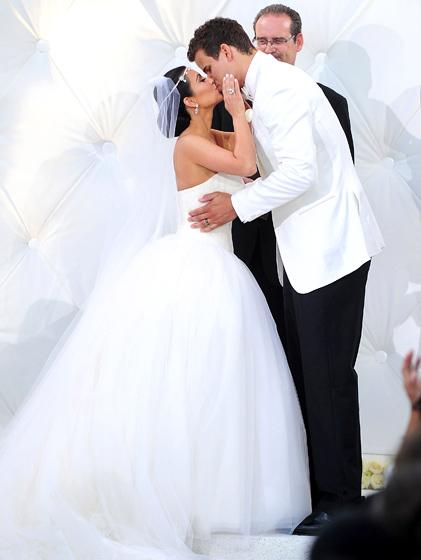 Kim Kardashian's wedding war: Kanye versus Kris Humphries ...