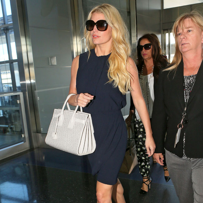Jessica Simpson will wear pink wedding dress