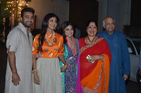 Bollywood beauties light up Diwali: Raveena Tandon, Shilpa ...