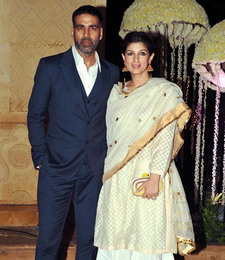 Bollywood wedding: Sridevi, Madhuri, Priyanka, Karishma ... | 456 x 528 jpeg 67kB