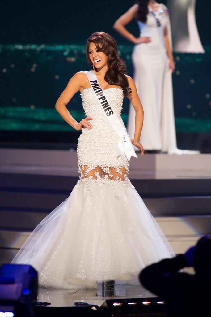 Miss Universe: Miss Colombia Paulina Vega wins crown ...