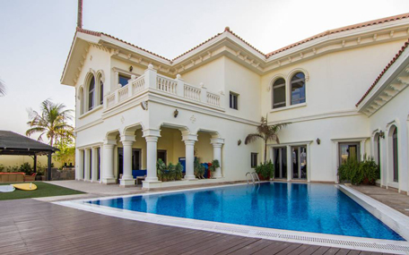 A Total Of 422 Villas, Priced At Above Dh5m Were Sold In 2014, With Over 60  Per Cent Of These Being In The Above Two Area And Emirates Hills With  Highest ...