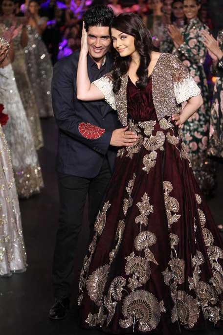 Return of beauty queen: Aishwarya Rai stuns in 'Empress Story