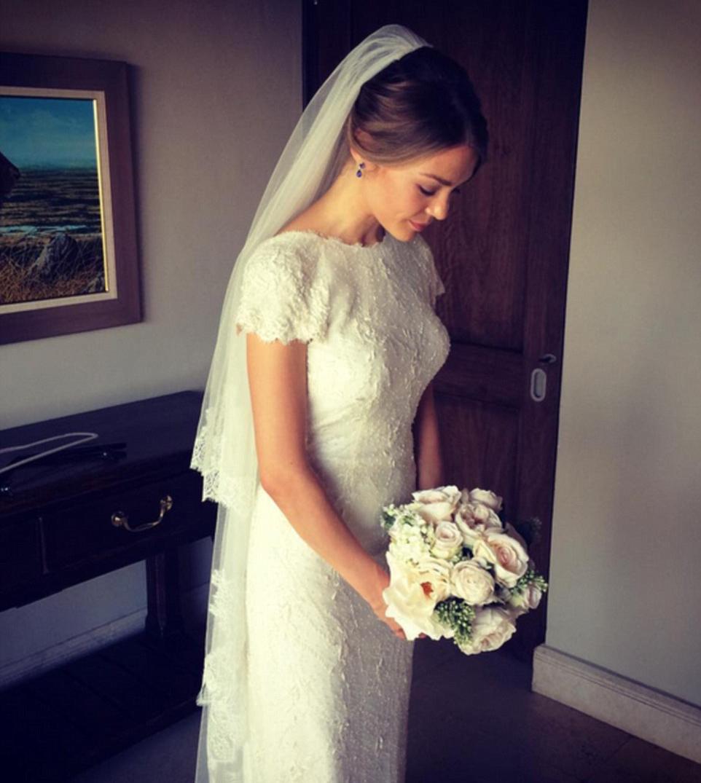 Instagram Wedding: Stunning Bride, Stunning Bridesmaids