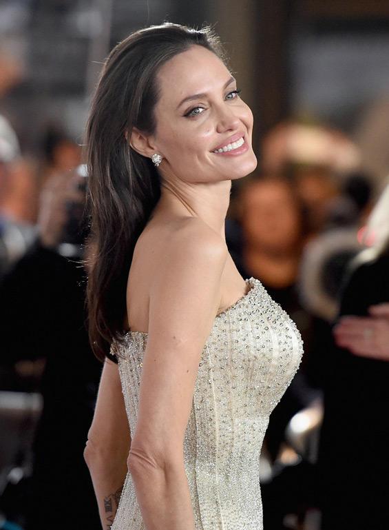 Angelina Jolie & Brad Pitt flawless 'By the Sea ... Brad Pitt And Angelina Jolie