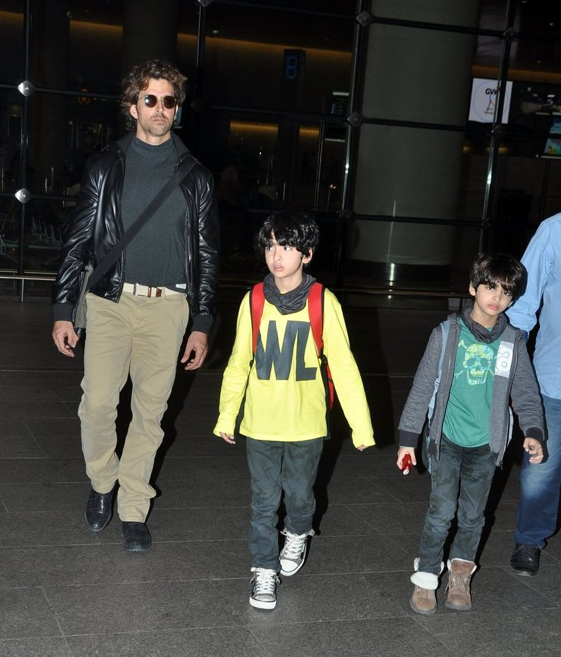 Bollywood on the move: Hrithik Roshan with kids, Arjun