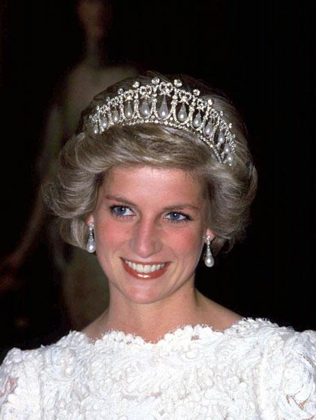 Duchess Kate Brings Back Diana 39 S Memory To Buckingham