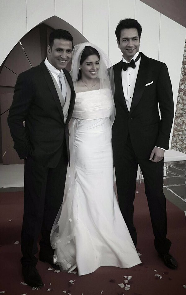 Inside Scoops Pictures Asin And Rahul S Wedding Ceremonies
