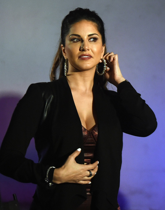 Aamir Khan willing to work with Sunny Leone