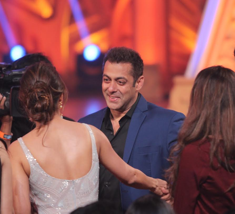 Colors Golden Petal Awards 2016: Golden Petal Awards 2016: Salman, Malaika Show Family