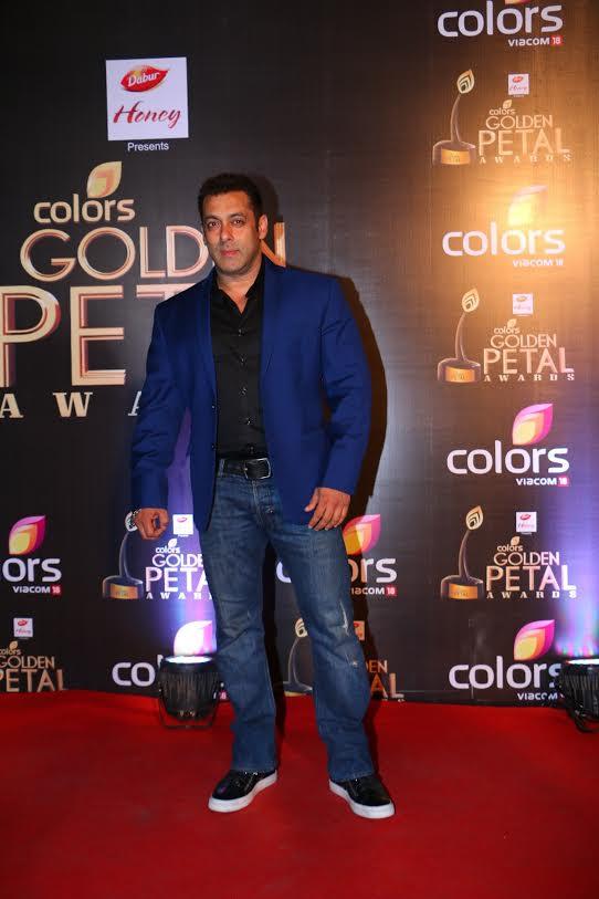 Golden Petal Awards 2016 Salman Malaika Show Family Strength