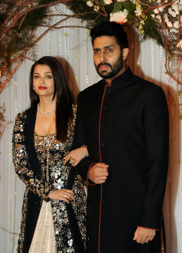 Aishwarya Rai Dazzles At Bipasha Basus Wedding Reception Emirates247