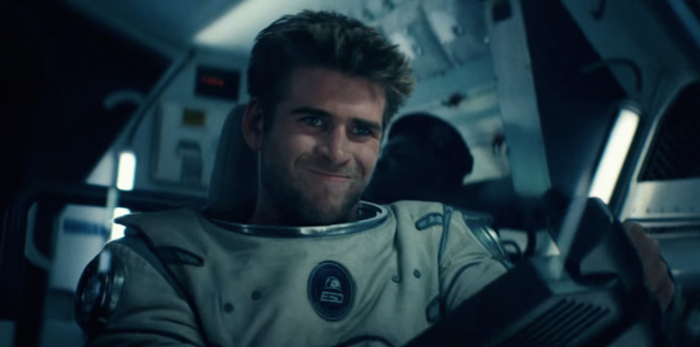 Liam Hemsworth Saving The World In Dubai Video Emirates247