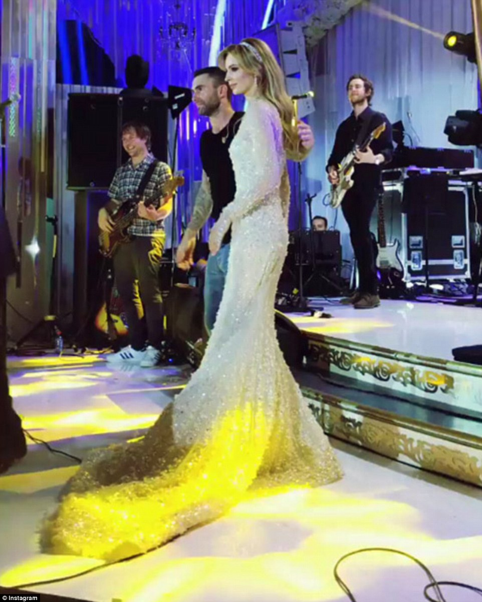 Alla Pugacheva on the first wedding ceremony: Bes beguiled on 11/18/2017 86