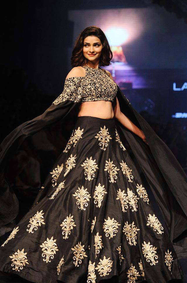 Bollywood stars at Lakme Fashion Week - Emirates 24 7