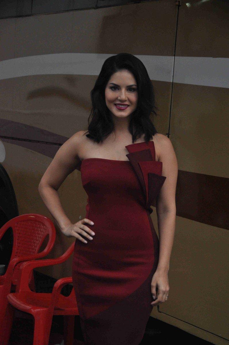 Sunny Leones Shoot Bipasha Basus New Haircut Emirates247