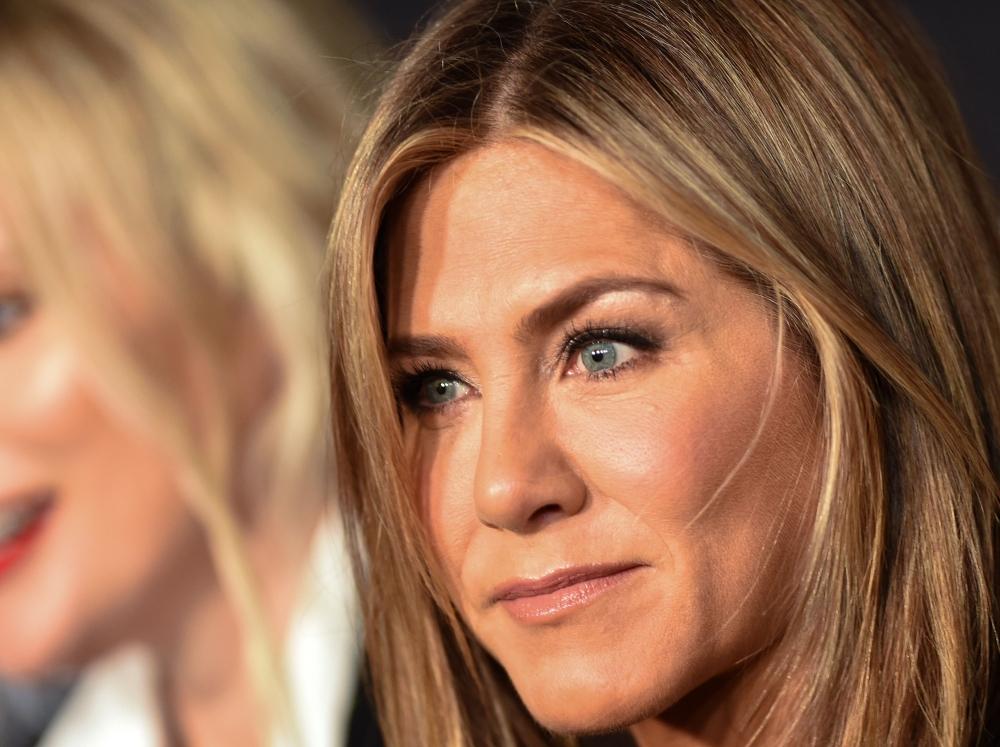 Jennifer Aniston Couldnt Style The Rachel Haircut Emirates247