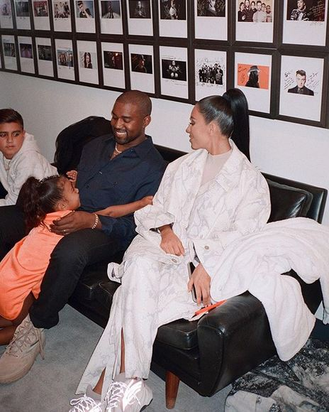 271223ee1e897 KUWTK  Kanye West  surprised his wife with  14m gift  - Emirates24