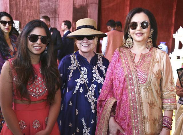 Isha Ambanis wedding extravaganza: Mukesh Ambani spends almost $100 mln