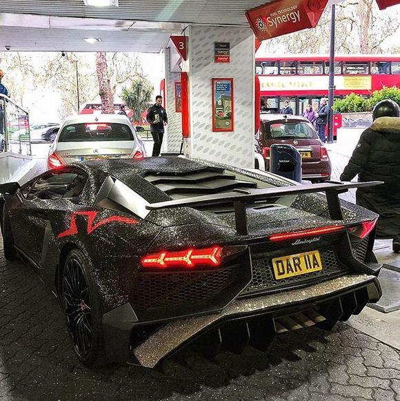 Russian Instagram model covers Lamborghini Aventador in 2m